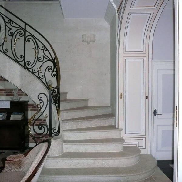 Escalier massif (voûte sarrasine)